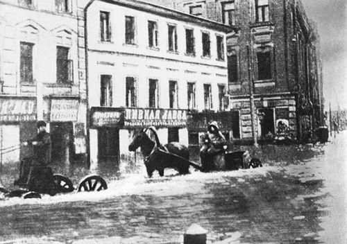 Угол Неглинной улицы и Звонарского переулка